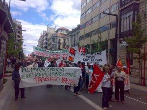 Por la Huelga General - Capitalismo es crisis, Socialismo Futuro